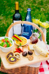 Enjoy your first picnic of the year – celebrate the warmer weather with a memorable day out on the harbourfront with your friends and family!